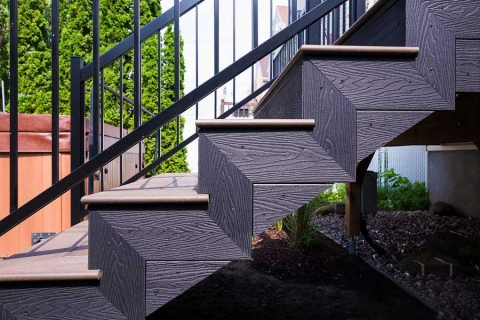 composite+decking+stairs