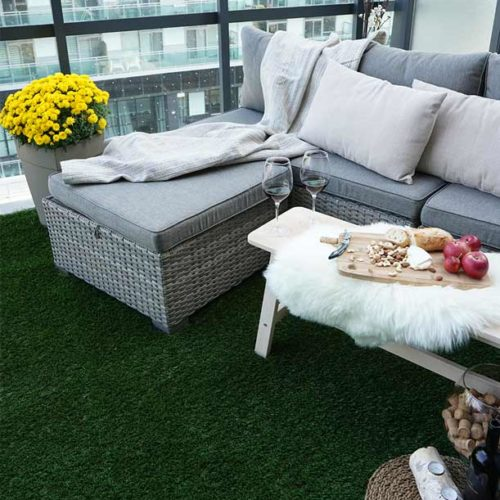 PerfectLawn-Artificial-grass-for-balconies-green-lush-all-year-round-outdoor-furniture-toronto-canada-winnipeg-calgary vancouver