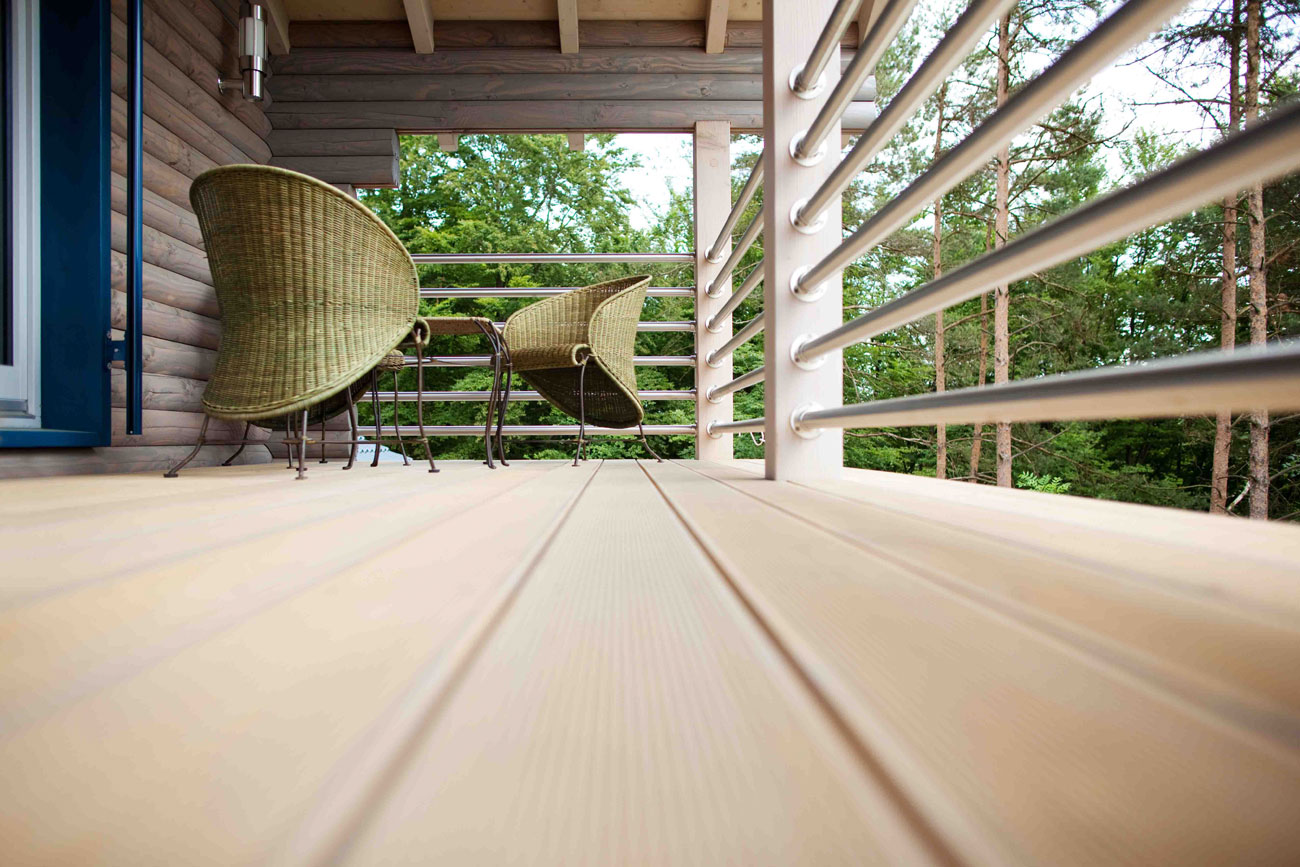 Composite decking gta sgc for Synthetic decking