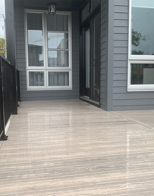 PVC-decking-boards-outdoor-maintenance-free-liftime-warranty-toronto-thunder-bay-oshawa-toronto-victoria-sydney