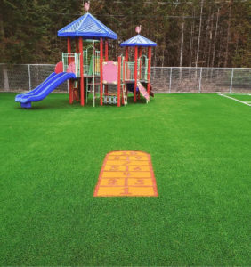 marelle-game-playground-colored-grass-kids-fun-safe-outdoor-space-01
