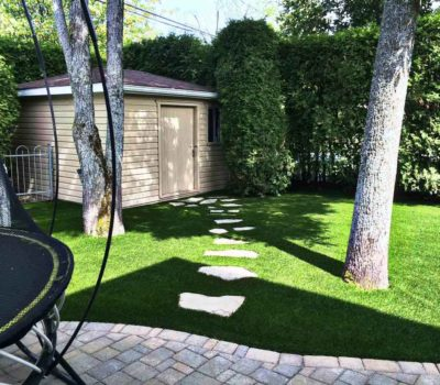sgc-synthetic-grass-trampoline-backyard-