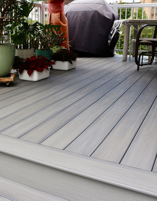 light-grey-standard-composite-board-deck-decking-roofing-paving-outdoor-space-toronto-renovation-mississauga-backyard-porch-GTA-front-yard