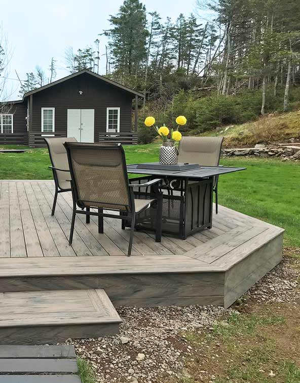 moka-deck-board-outdoor-space-beautifal-terrace-summer-barbecue-planks-composite-wood-toronto-ontario-parry-sound