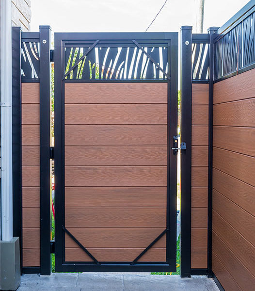 single-gate-composite-fencing-How-to-start-a-fence-project