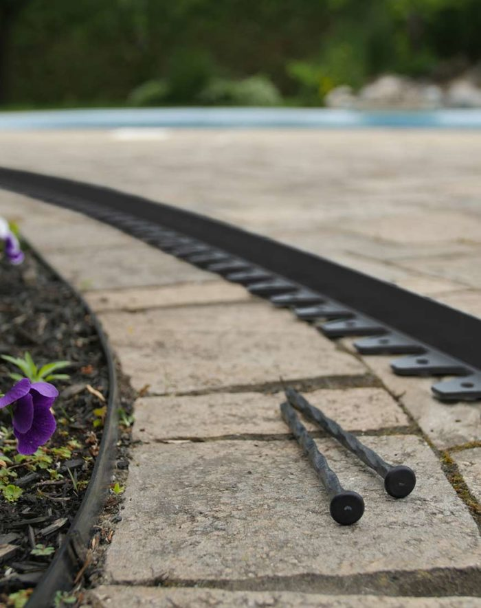 commercial-paver-edging-or-professional-landscaping-edging-with-anchoring-spikes-of-10-in-long-new-york-philadelphia-toronto-vancouver-calgary-winnipeg