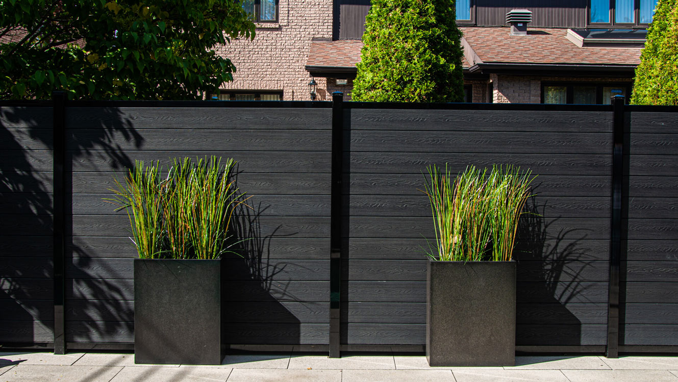 fencing-in-toronto-vancouver-safety-and-privacy-around-spa